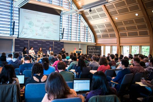 Panel addresses audience at Yale Blockchain Bootcamp